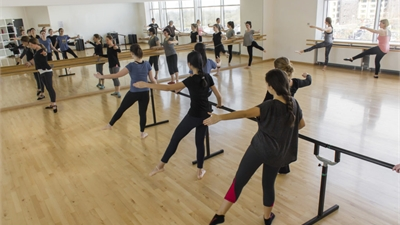 No matter your skill level, dance classes with SU Arts are a great way to de-stress and keep active.